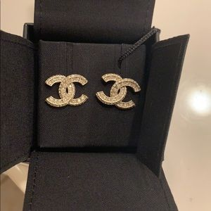 BRAND NEW 2020 Chanel Classic Crystal CC Earrings